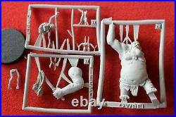 Games Workshop The Hobbit Goblin King Throwing Goblin Finecast Middle Earth New