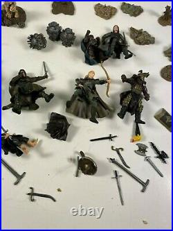 LOTR Helm's Deep Castle with instructions Armies of Middle Earth + EXTRA Figures