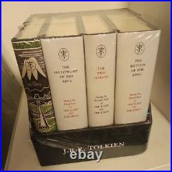 The Hobbit & The Lord of the Rings Gift SetPocket size A Middle-earth Treasury