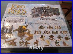 The Lord of the Rings Armies of Middle Earth Battle at Helm's Deep box set